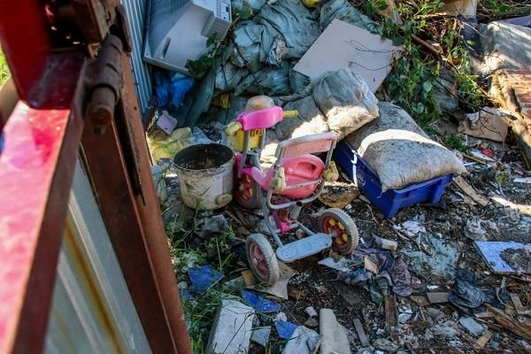 Органы опеки Барнауле время забрали питающейся помойки семьи покрытых гнойниками детей