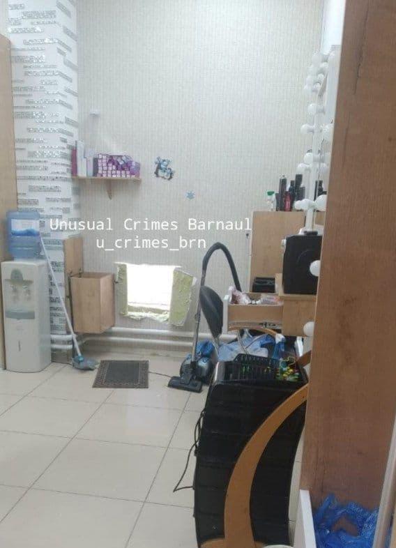 Неизвестные обнесли ювелирный магазин барнаульском Лето через пропил стене