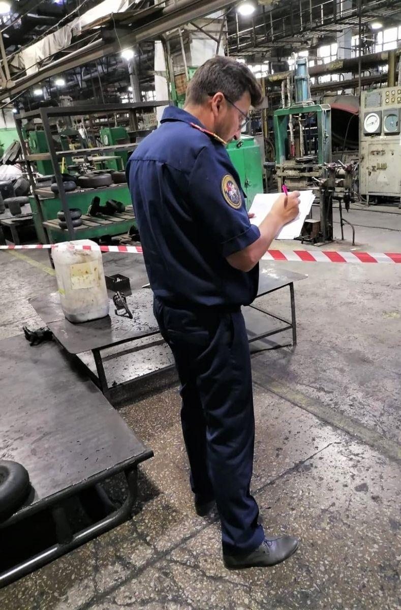 Рабочий погиб Алтайском шинном комбинате