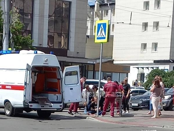 Две аварии интервалом несколько минут произошли возле ЦУМа Барнауле