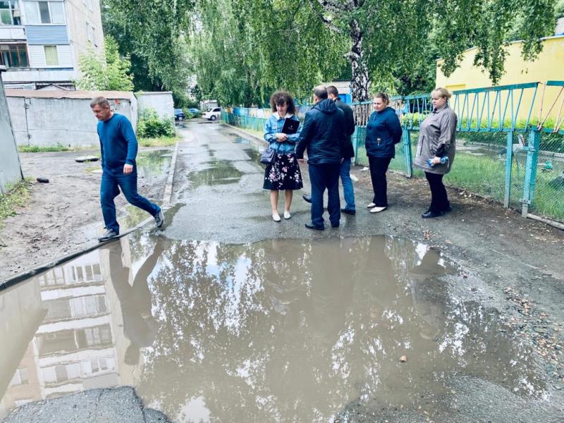 Дворы живут года Народный фронт нашел множество изъянов благоустройстве Барнаула