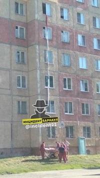 Жительница Барнаула выпала окна шестого этажа попытке сбежать частного рехаба веревке