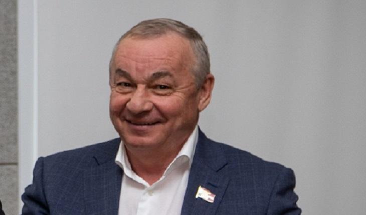 Единственный кандидат-самовыдвиженец депутаты Госдумы Алтайского края снимается предвыборной гонки