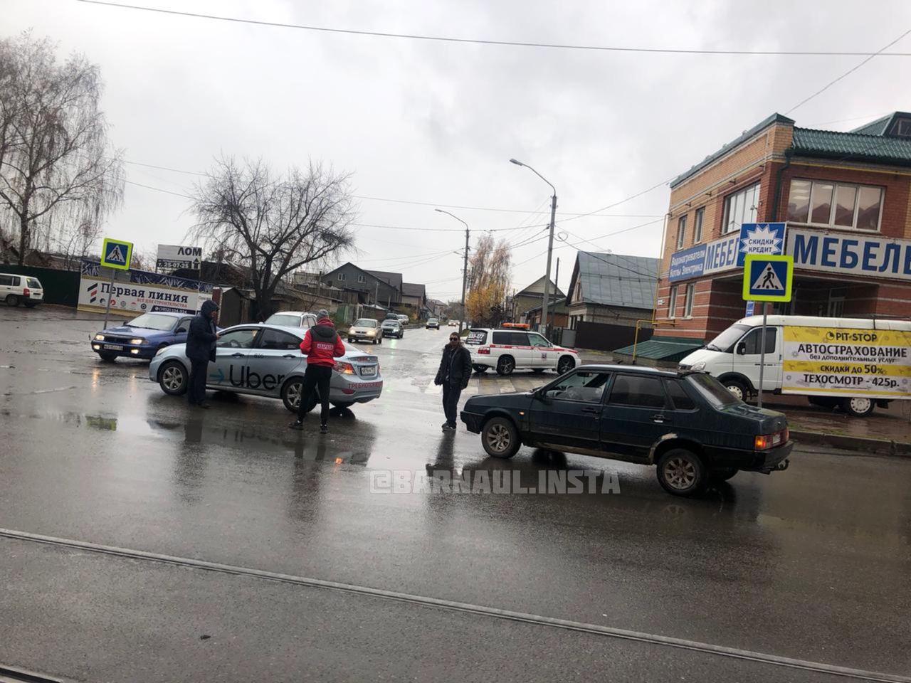 В ГИБДД увидели следов опьянения неадекватного участника в Барнауле